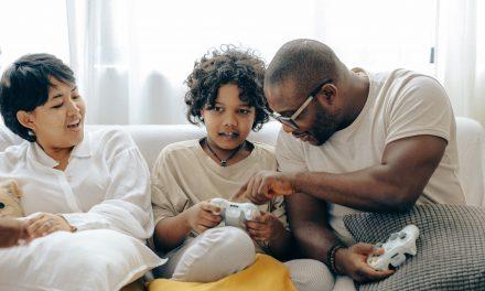 Guide des cadeaux de la fête des pères pour le papa joueur